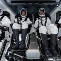 史上初!民間人だけの宇宙旅行!AIによる全自動宇宙船スペースX
