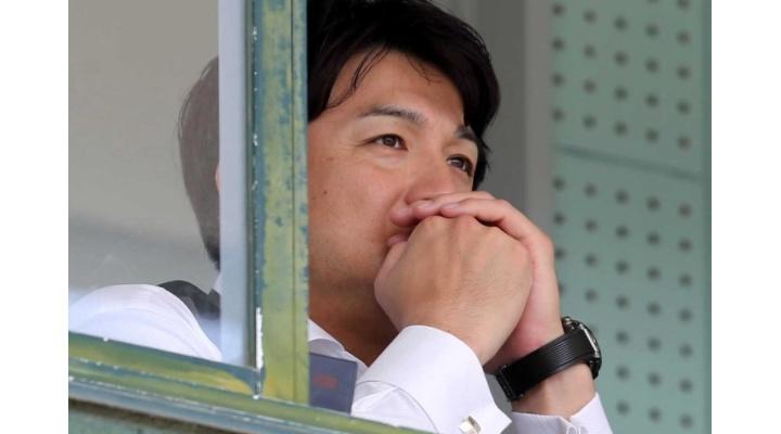【 悲報 】巨人・由伸監督、ミス連発の岡本のミスに声を荒げる・・・