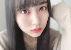 【乃木坂46】白いベッドに横たわる賀喜遥香さんが天使すぎる件