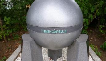 タイムカプセルを掘り出したら……