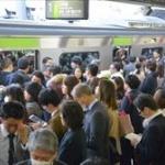 【悲報】子連れ満員電車の人がタクシーを使わなかった理由が判明。「十万かかる」