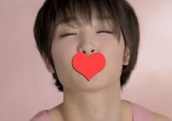 剛力彩芽ちゃんのキス顔が可愛すぎてモニターにキスにしてしまう男子が続出!