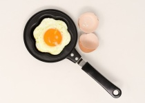 消費期限切れた卵六個食べたら気分悪い