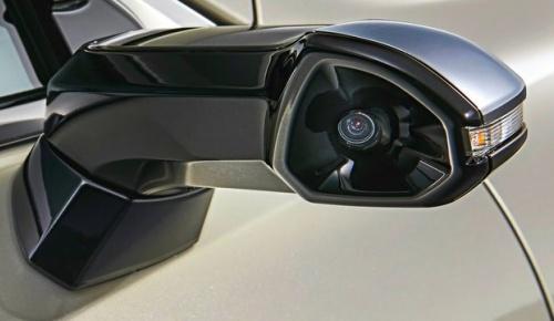 レクサスESが世界初のミラーレス車に デジタルアウターミラーに関する海外の反応