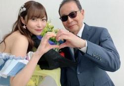 【HKT48】さすがw指原莉乃、タモリさんとまさかのポーズをすることに成功www