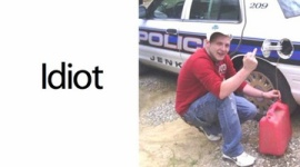 パトカーからガソリンを盗んだ男性、ポーズを決めてその様子をFacebookにアップ→逮捕