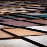 『自然が生み出したパレット!スペインの「ハヌビオ製塩所」が美しい』の画像