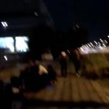 『【乃木坂46】一周しそう・・・深夜の握手会待機列の様子を撮影した動画がこちら!!!』の画像