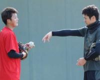 阪神・横山、スライダー習得へ中田から助言「いろんなことを聞きたい」