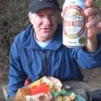 エリックさん「日本のビールを飲みながら、マックのハンバーガーを食べてみた!」 海外の反応。
