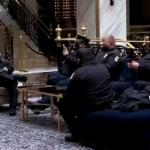 【動画】米国、バイデンに議事堂から追い出された兵士達にトランプ・インタ―ナショナル・ホテルが施設を提供