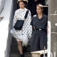 広瀬すず&アリス 渋谷の街中で見かけた2ショットに「2人とも邪悪やのう」「足がおっさんだな」