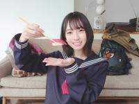 """【日向坂46】BUBKA 4月号表紙の金村美玖。オフショットもまた""""高級寿司"""""""