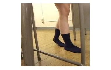 『AVからのいじめシーン - 靴隠し/お漏らし』の画像