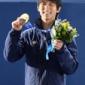 【表彰式】ソチ冬季五輪、フィギュアスケート男子シングル。金メ...