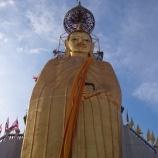 『【バンコク観光】横から見ると?バンコクで一番高い大仏立像はデカい!ワット・インドラウィハーン』の画像