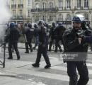 フランスで暴動 革命か?