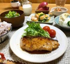 【ぶりのピリ辛照り焼き】#簡単#スピードおかず#ご飯のおかず#子供も好きな魚料理