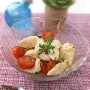 レンジに2分かけるだけ♪鶏ささみとトマトの温サラダ