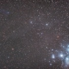 『プレアデス星団付近の分子雲を漂うパンスターズ彗星(C/2016 R2)』の画像