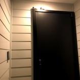 『ツバメなう。。もう一緒に暮らそう!玄関だけど!』の画像