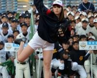 稲村亜美さんに中学生が殺到する直前画像