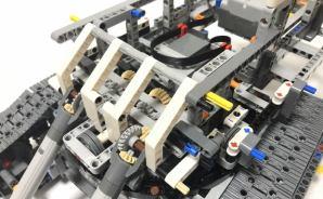 """""""でかい""""ショベルカーのレゴを製作"""