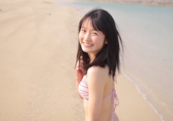 カントリーガールズの処女メンバー森戸知沙希ちゃんの最新水着イメージビデオが可愛すぎると話題に