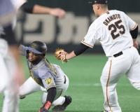 【阪神】ロハスが痛い走塁ミス 好機を逃す