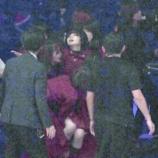 『【欅坂46】年に一度の晴れ舞台で倒れた平手を運ばなければいけないメンバーの気持ち・・・【NHK紅白歌合戦】』の画像