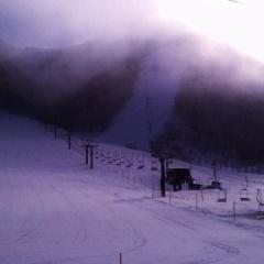 平湯温泉でスキー