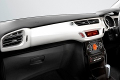 100~150万円の国産コンパクトカーから200万円以上の欧州コンパクトカーに乗り換えるユーザーが増加