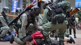 【話題】石井孝明「小泉今日子も柴咲コウもアベガーというのは自由ですが、人権侵害の香港や日本の貧困に声を上げないのは不思議ですね」