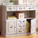 タイル調のモチーフがかわいい南欧風家具。