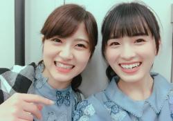 めっちゃレアな組み合わせ?! 大園桃子×若月佑美、笑顔の2ショット!