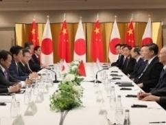 日中韓首脳会談、ムン大統領ハブられてぼっち飯wwwwww