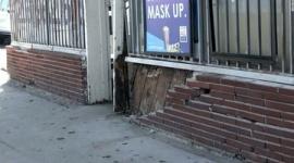 【米国】歩行者をはねようとした男性、車から引きずり出され死亡