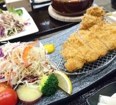 お食事処「金鳳亭」のうつくしまエゴマ豚を使った極旨トンカツ定食