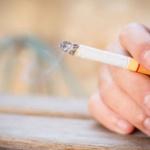 なんで喫煙者が100%反対してるのにタバコ増税がまかり通るの?怖くね?