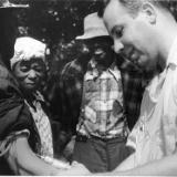 【悲報】アメリカ人「黒人600人を梅毒に感染させて放置したらどうなるか見たろ!」