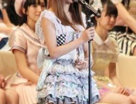 板野友美、篠田麻里子の卒業にツイッターで本音ww