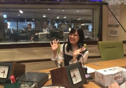 柴田柚奈ちゃんのラジオ収録の最新画像!!!「スタッフも楽しいに決まってますわwww」