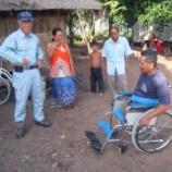 『2011.05.12 車椅子を村人にプレゼント』の画像