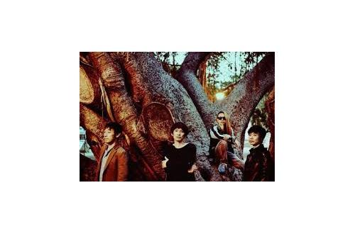 【朗報】スピッツ、全シングル曲+新曲3曲のアルバムを3900円で発売のサムネイル画像
