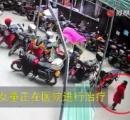 マンション26階から6歳女児が転落…自分で起き上がり何事もなかったように立ち去る 重慶市 ※動画