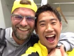 【画像】香川真司が自身のツイッターにクロップのの2ショット写真をアップ!笑顔が素敵すぎるwwww