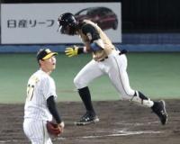 1軍でも実績のある阪神・及川は1回1失点 万波に二塁打を浴びる