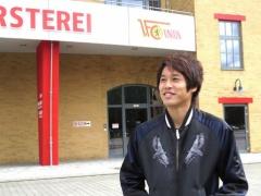 シャルケ内田篤人、インタビュー!「家族とも離れ離れなので。子供はどんどん大きくなっちゃうな。」