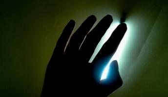 死ぬ程洒落にならない怖い話を集めてみない?『光の玉』『回る足音』『時空のおっさん』他