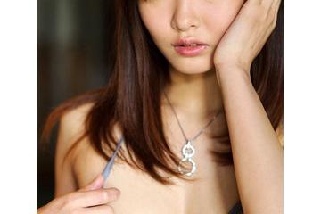 仲村美海の下着をめくって見せた乳首 210913